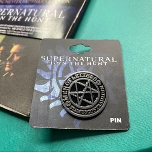 SUPERNATURAL JOIN THE HUNT MAP AND ENAMEL PIN